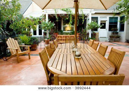 Elegant Courtyard