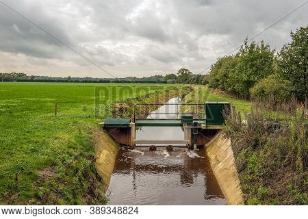 Water Management In A Dutch Agricultural Landscape By Means Of A Remote-controlled Steel Weir In A W