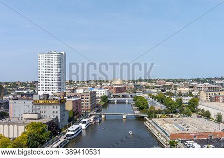 Milwaukee, Wi: 23 September 2020:  An Image Of The Riverwalk Facing Opposite From Downtown Milwaukee