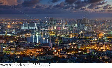 Cityscape Of Bangkok City With Wat Phra Kaew, Wat Pho And Wat Arun On Morning Sunrise Time.