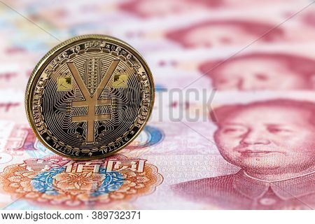 E-rmb Gold Coin, Over 100 Yuan Banknotes, Conceptual Image Of The Digital Version Of The Yuan. Chine