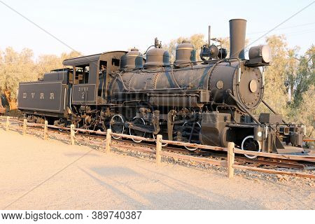 October 4, 2020 In Furnace Creek, Ca:  Historical Locomotive And Coal Car On Display At The Borax Mu