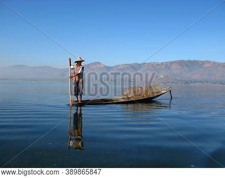 Inle Lake, Myanmar - 10 Jan 2010: The Fisherman On Inle Lake, Myanmar