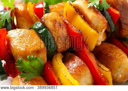 Delicious Chicken Shish Kebabs With Vegetables On Plate, Closeup