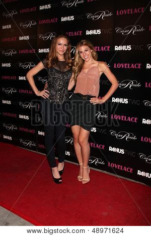 LOS ANGELES - AUG 5:  Chrishell Stause, Kate Mansi arrives at the