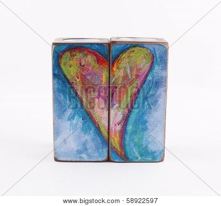 Two candlestick pattern with hearts