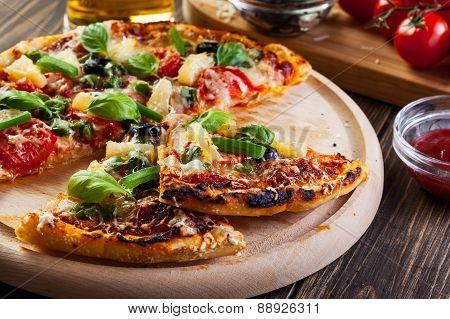 Pizza Hawaii With Beer