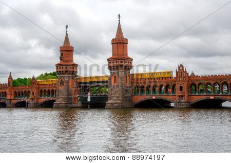 Train on Oberbaum bridge in Berlin.