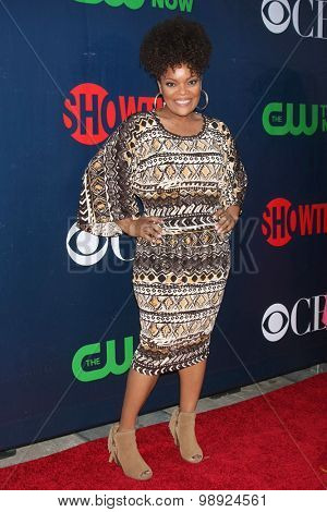 LOS ANGELES - AUG 10:  Yvette Freeman at the CBS TCA Summer 2015 Party at the Pacific Design Center on August 10, 2015 in West Hollywood, CA