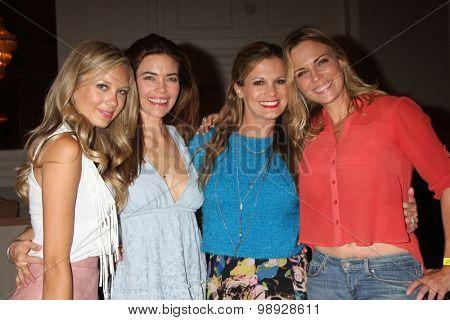 LOS ANGELES - AUG 15:  Melissa Ordway, Amelia Heinle, Melissa Claire Egan, Kelly Sullivan at the