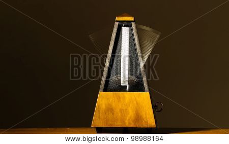 Wooden Mechanical Metronome With Motion Blur Arm