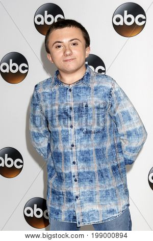 LOS ANGELES - AUG 6:  Atticus Shaffer at the ABC TCA Summer 2017 Party at the Beverly Hilton Hotel on August 6, 2017 in Beverly Hills, CA