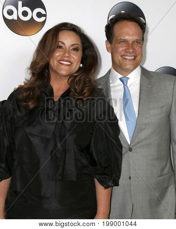 LOS ANGELES - AUG 6:  Katy Mixon, Diedrich Bader at the ABC TCA Summer 2017 Party at the Beverly Hilton Hotel on August 6, 2017 in Beverly Hills, CA