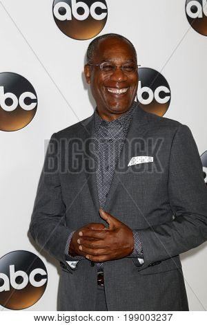 LOS ANGELES - AUG 6:  Joe Morton at the ABC TCA Summer 2017 Party at the Beverly Hilton Hotel on August 6, 2017 in Beverly Hills, CA