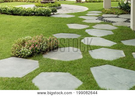 Texture or pattern of paving walkway background in the garden.