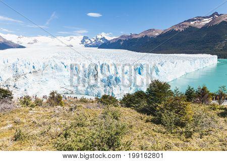 perito moreno patagonia argentina tierra del fuego