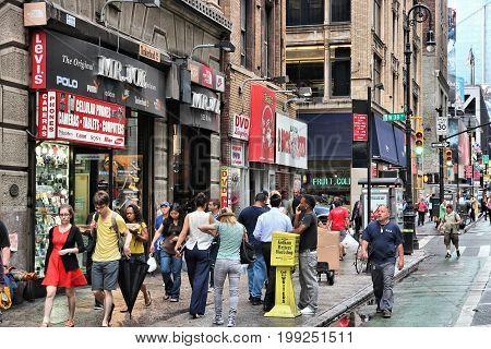 8Th Avenue Shopping