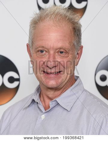 LOS ANGELES - AUG 06:  Jeff Perry arrives for the ABC TCA Summer Press Tour 2017 on August 6, 2017 in Beverly Hills, CA