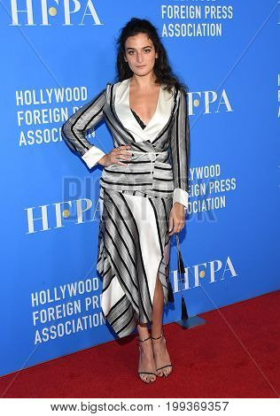LOS ANGELES - AUG 02:  Jenny Slate arrives for the HFPA's Grants Banquet on August 2, 2017 in Beverly Hills, CA