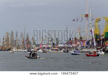 SZCZECIN, WEST POMERANIAN / POLAND: Final Tall Ships Races. Yachts and sailing ships at the wharfs