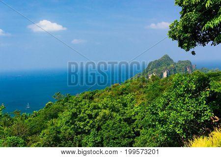Scenic  Holidays Azure Bay