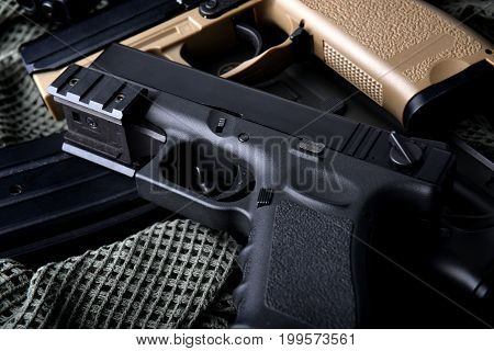 Pistal Automatic Short Hand Gun 9 Mm.