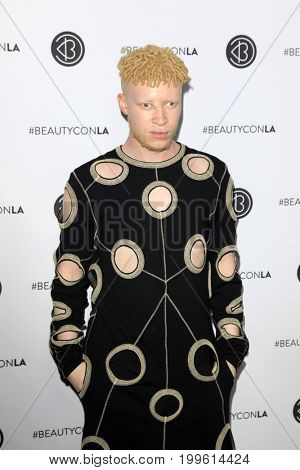 LOS ANGELES - AUG 12:  Shaun Ross at the 5th Annual Beautycon Festival Los Angeles at the Los Angeles Convention Center on August 12, 2017 in Los Angeles, CA