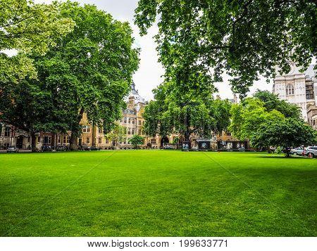 Westminster Abbey Dean Yard In London (hdr)
