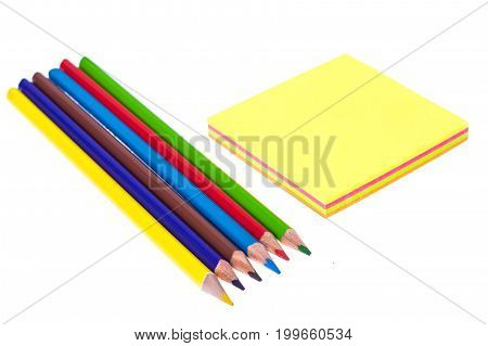 block Colored sticker for reminders on white background, office stationery, paper for notes. Studio Photo