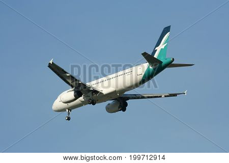 9V-slf Airbus A320-200 Of Silkair