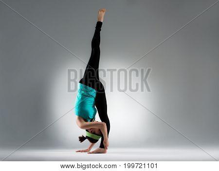 Elegant Bodybuilding Woman Single Feet Standing