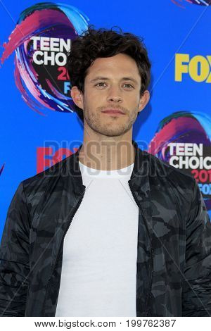 LOS ANGELES - AUG 13:  Kyle Harris at the Teen Choice Awards 2017 at the Galen Center on August 13, 2017 in Los Angeles, CA