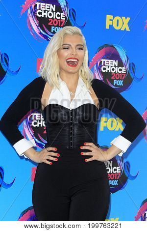 LOS ANGELES - AUG 13:  Bebe Rexha at the Teen Choice Awards 2017 at the Galen Center on August 13, 2017 in Los Angeles, CA
