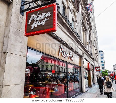 Pizza Hut Store In London (hdr)