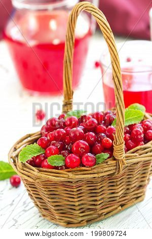 Fresh Cranberry And Cranberry Juice