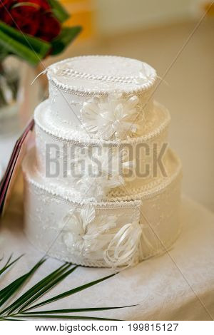 Tiered White Wedding Box For Envelopes And Post Cards At A Banquet