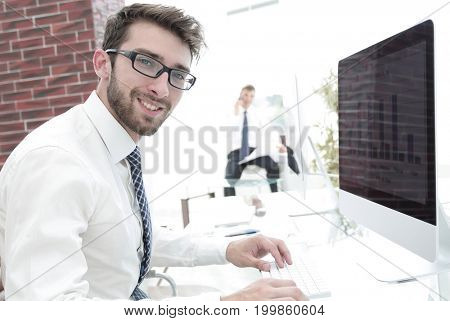 experienced accountant doing financial report