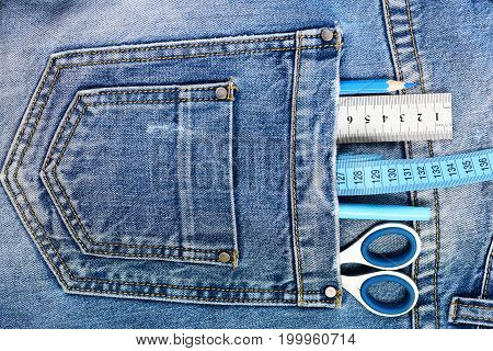 Things For Drawing In Back Pocket Of Male Denim Pants
