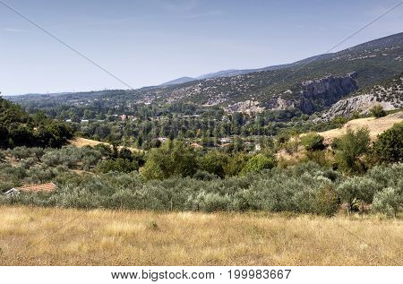 The panoramic views of the countryside and mountains