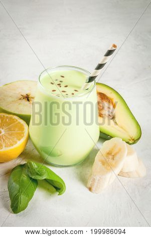 Green Smoothie With Avocado