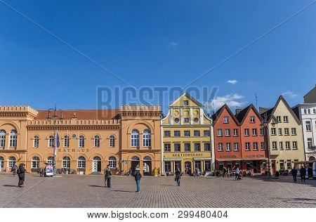 Schwerin, Germany - April 16, 2019: Colorful Historic Buildings At The Central Market Square Of Schw