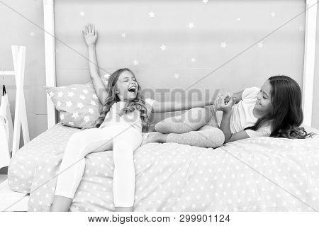 Awesome Perks Of Having Sister. Sisters Older Or Younger Major Factor In Siblings Having More Positi