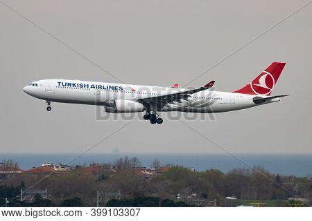 Istanbul / Turkey - March 27, 2019: Turkish Airlines Airbus A330-300 Tc-loe Passenger Plane Landing