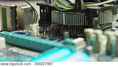 Connecting The Plug To The Motherboard, The Wizard Connects The Cpu Cooling. Repair And Maintenance