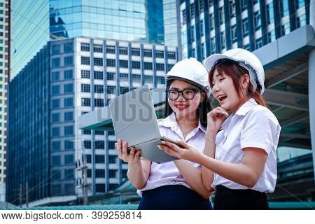 Asian Students Wear Uniforms Faculty Of Engineering Wearing A White Safety Hat View Notebook