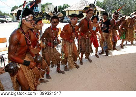 Santa Cruz Cabralia, Bahia / Brazil - April 19, 2009: Pataxo Indians Are Seen During Disputes At Ind