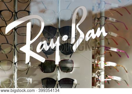 Bordeaux , Aquitaine  France - 12 12 2020 : Ray-ban Sign And Text Logo Store Of Sunglasses Branding