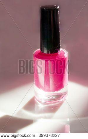 Pink Nail Polish. Natural Hard Light, Deep Shadows. The Concept Of Fashion And Beauty Industry. - Im