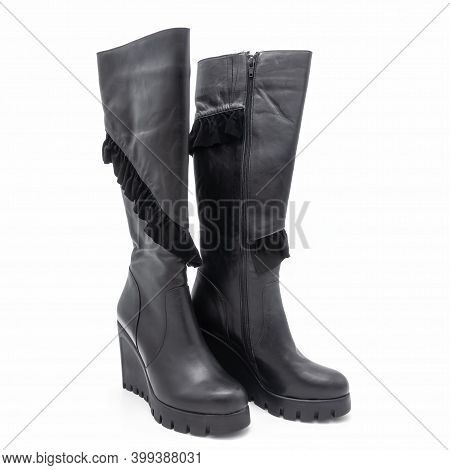 Women's Winter High Boots Made Of Black Genuine Leather. Zipper Closure. High Wedge And Platform. Gr