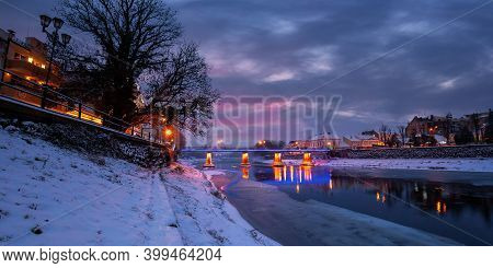 Uzhhorod, Ukraine - 26 Dec 2016: Winter Cityscape At Dawn. Beautiful Scenery On The River Uzh. City
